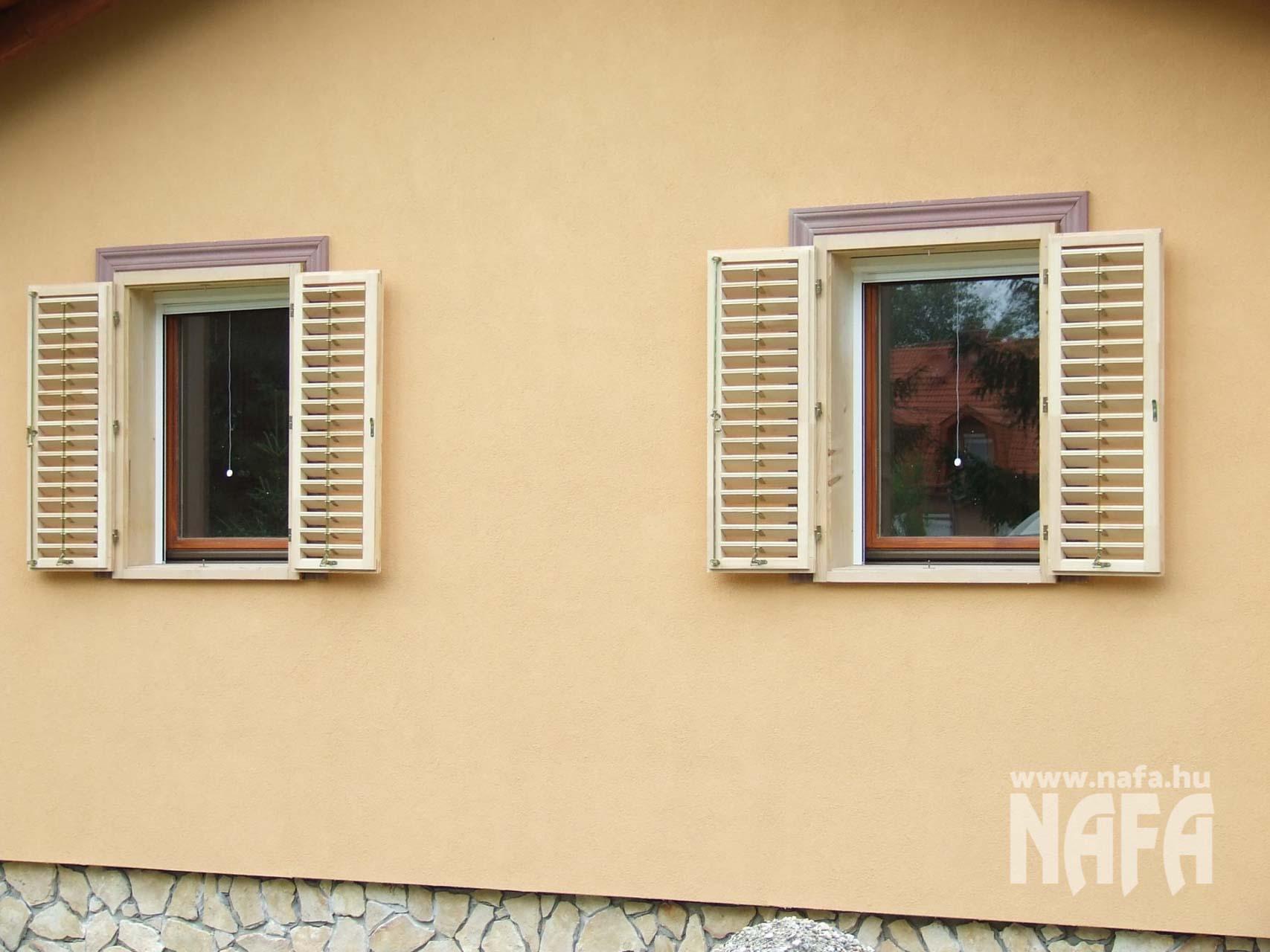 Zsalugáter ablak natúr, Balaton Nyaraló