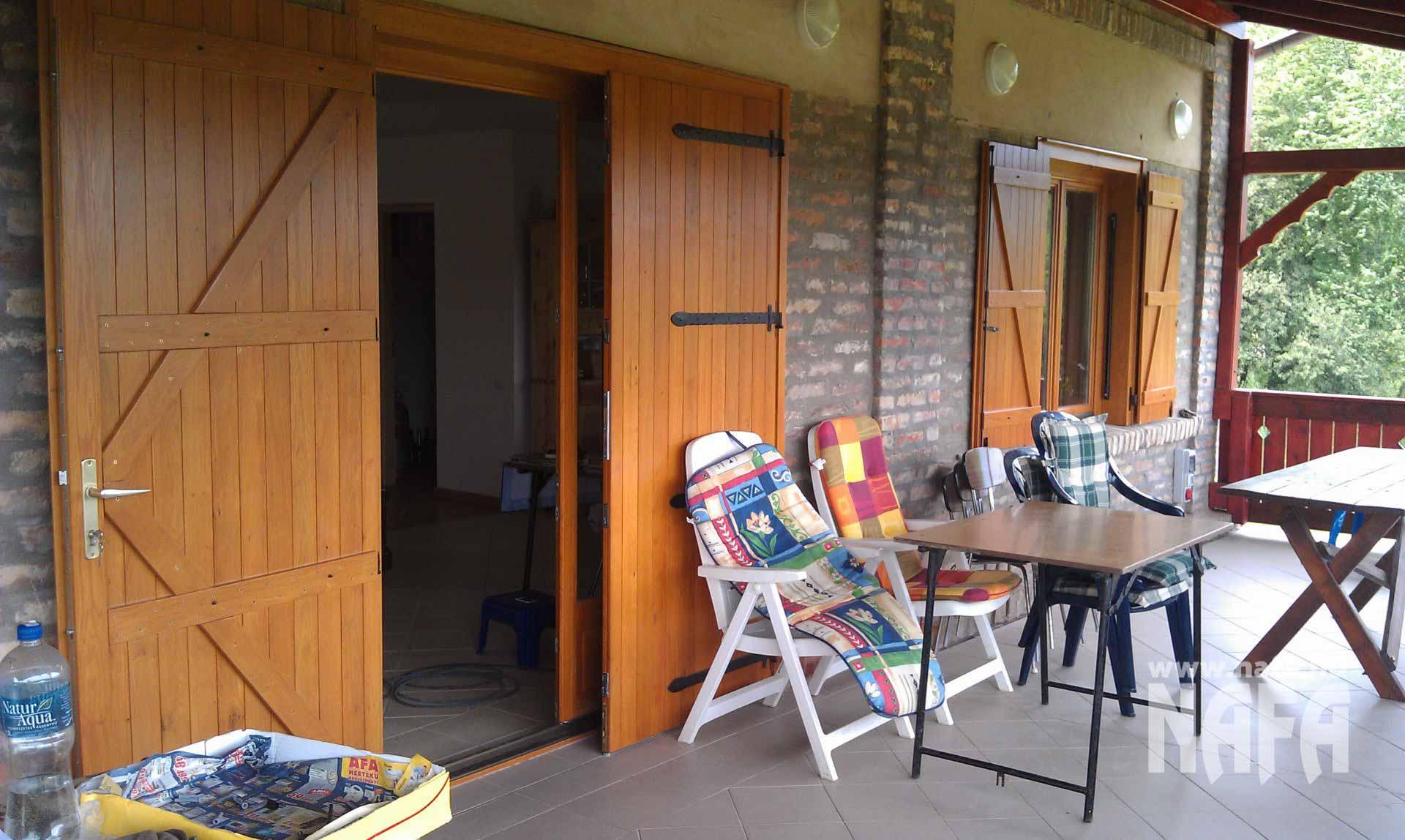 Spaletta ajtó egyedi festett, Kaposvár Nyaraló