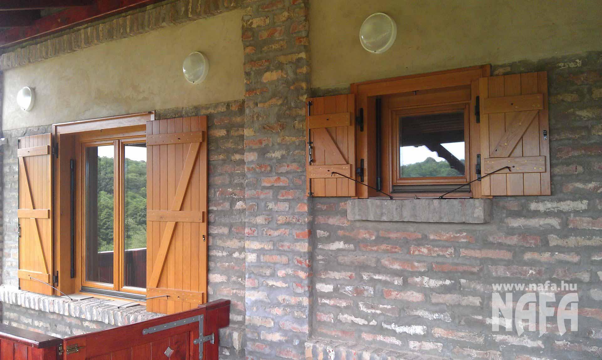 Spaletta ablak egyedi festett, Kaposvár Nyaraló