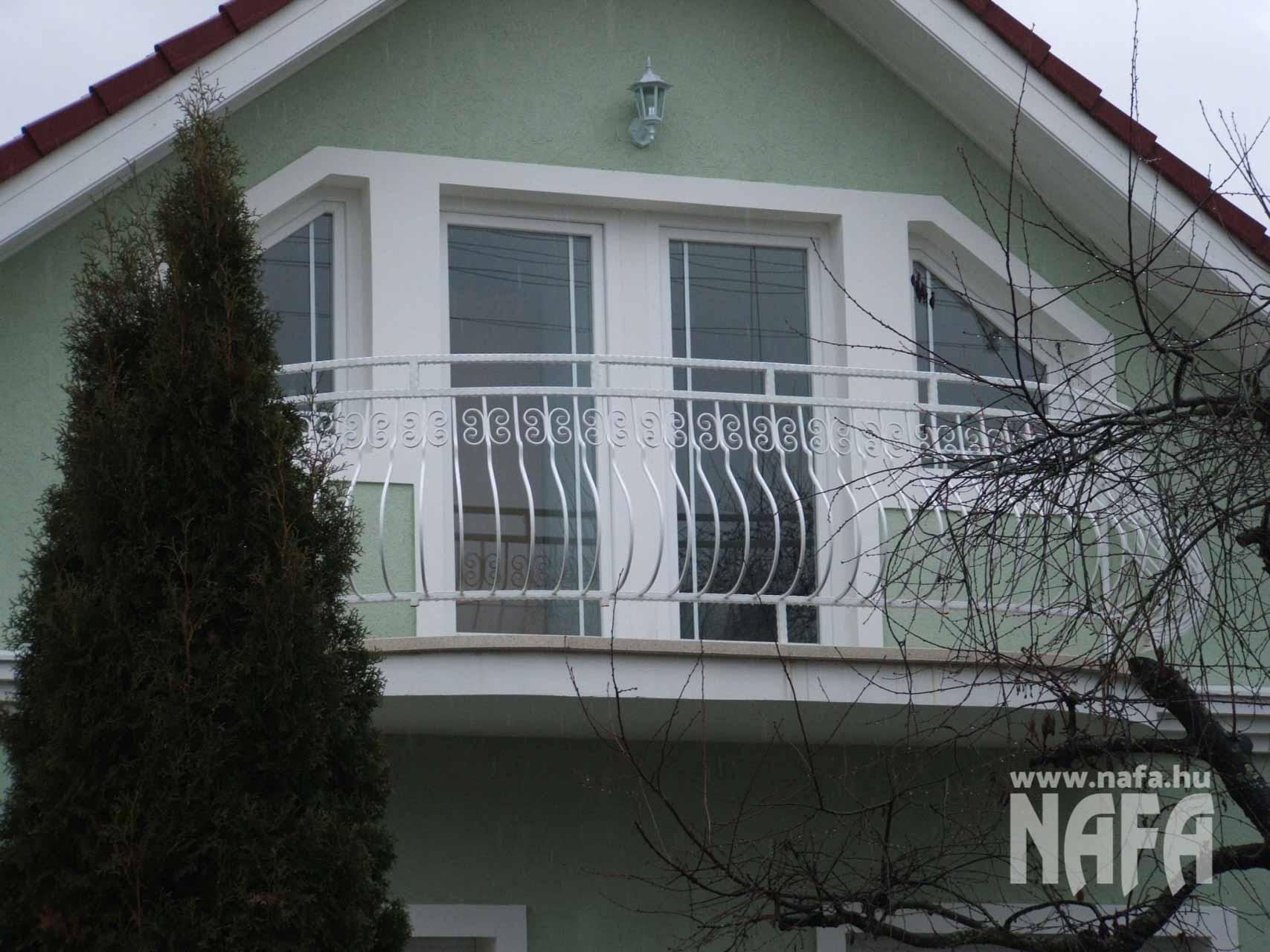 Műanyag nyílászárók, egyedi ablakok és ajtó, Nagyatád Családiház