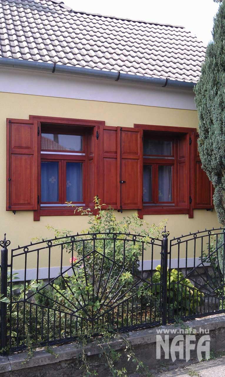 Zsalu ablak egyedi festett, Kaposvár Családiház