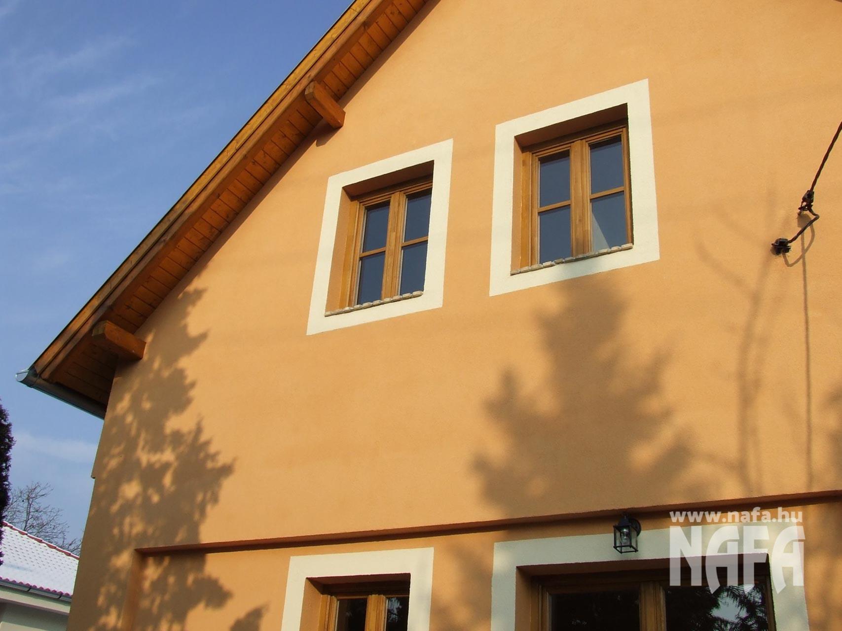 Fa nyílászárók, egyedi festett ablakok, Budapest Családiház