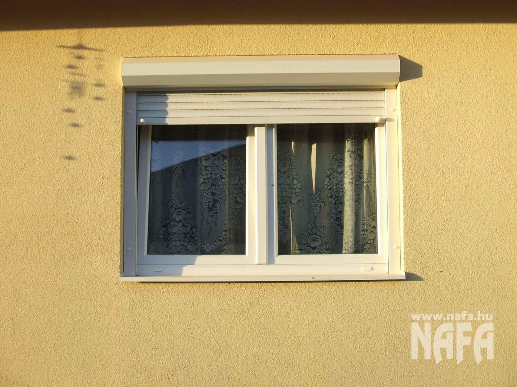 Műanyag nyílászárók, egyedi ablakok és ajtók, Csurgó Családiház