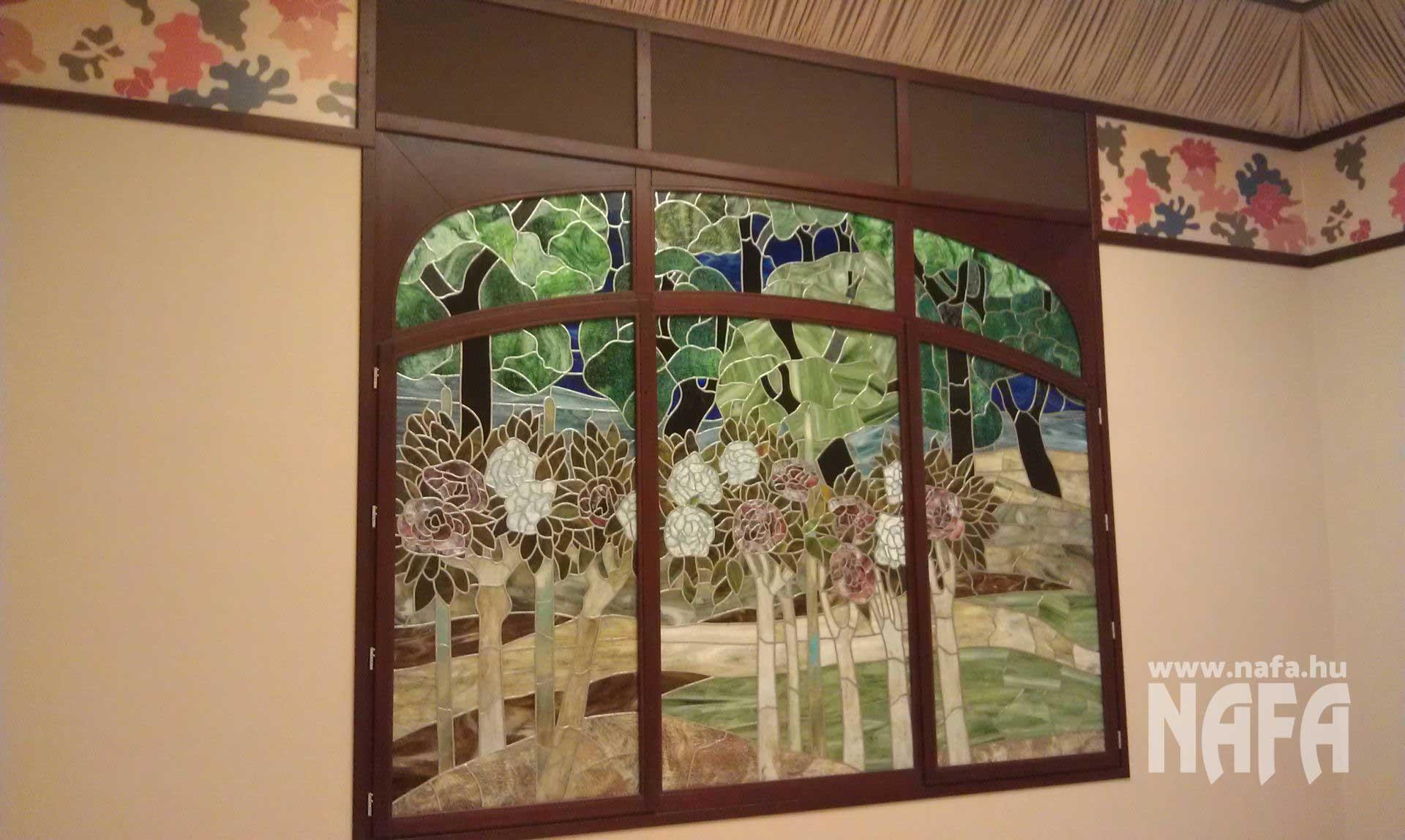 Fa nyílászárók, egyedi festett ablak, Rippl-Rónai Múzeum Kaposvár