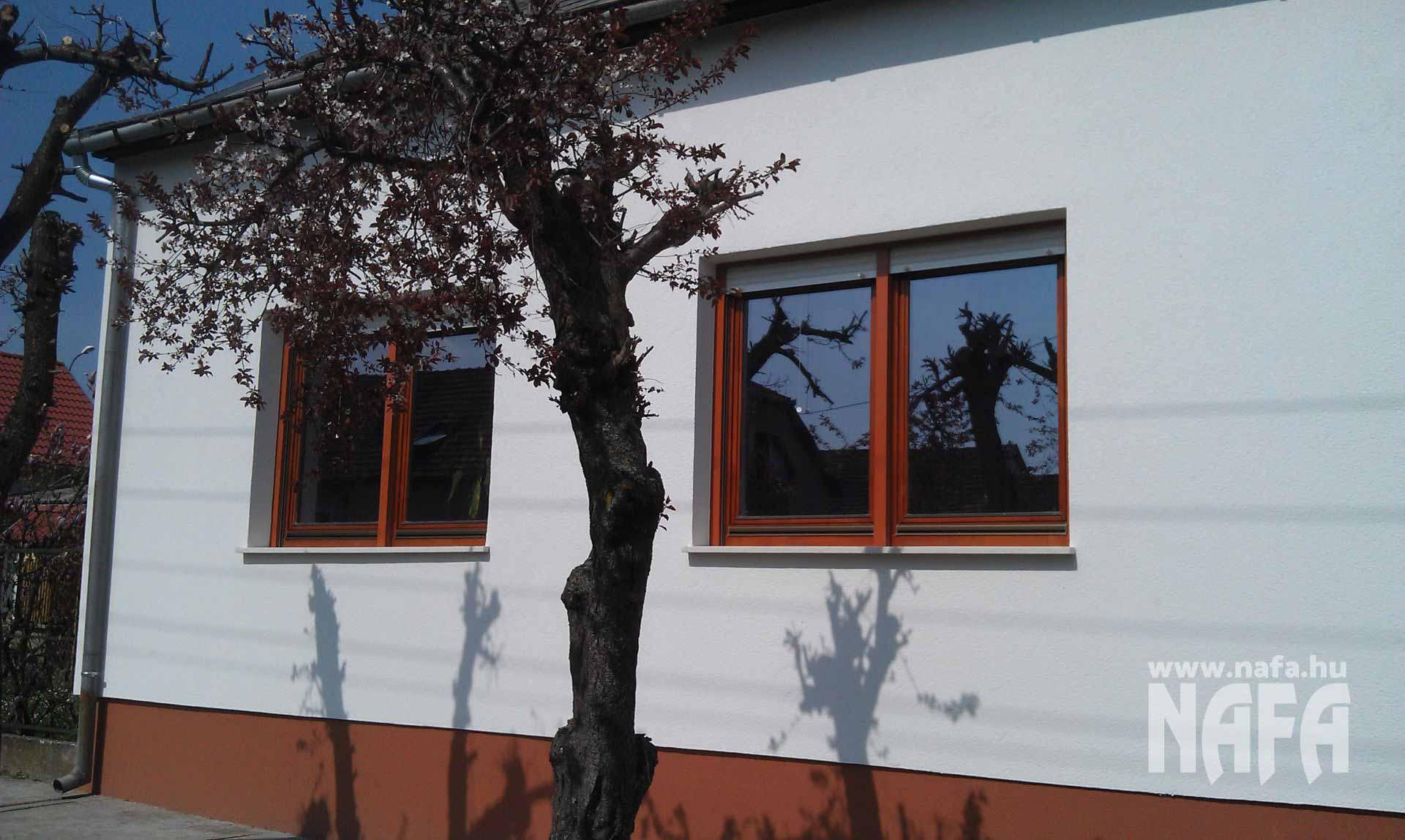Fa nyílászárók, egyedi festett ablakok, Nagyatád Családiház