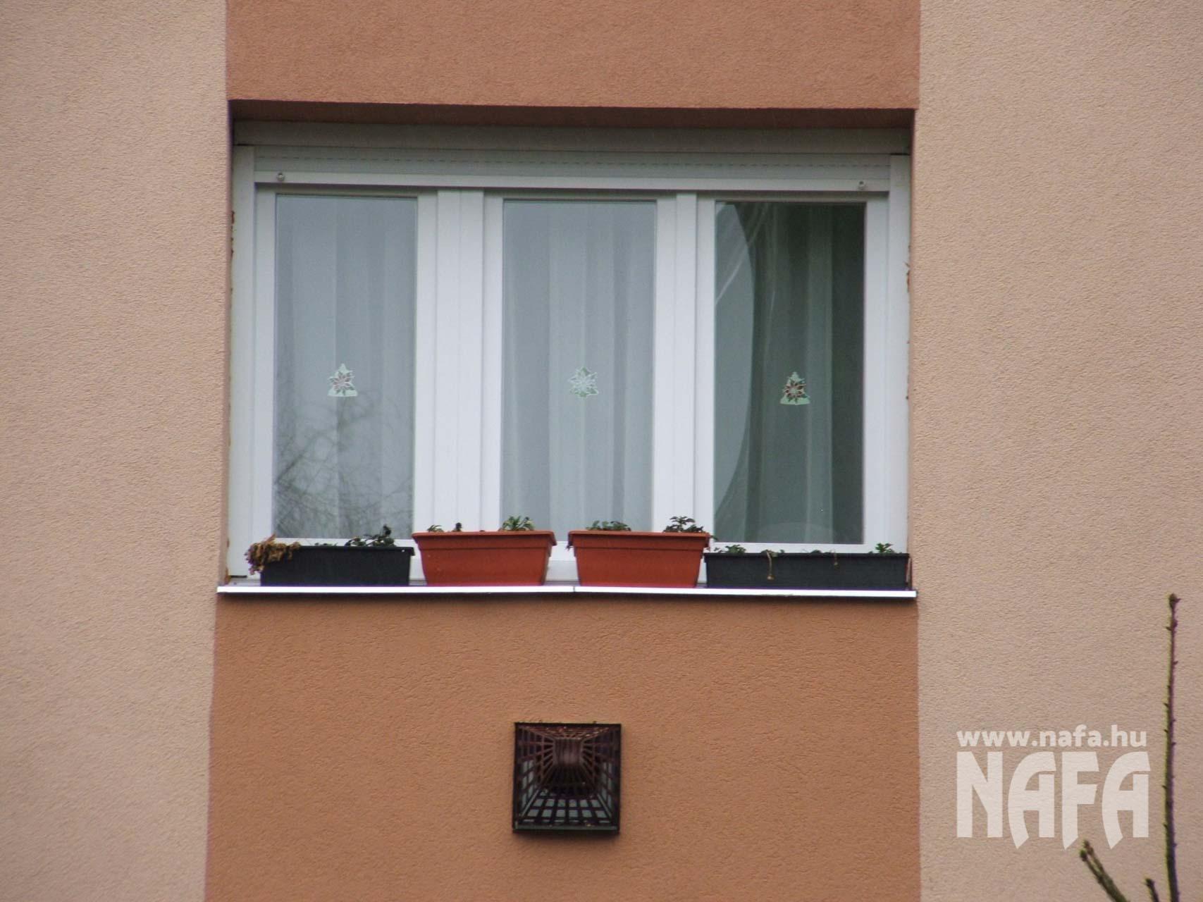 Műanyag nyílászárók, egyedi ablakok és ajtók, Nagyatád Társasház
