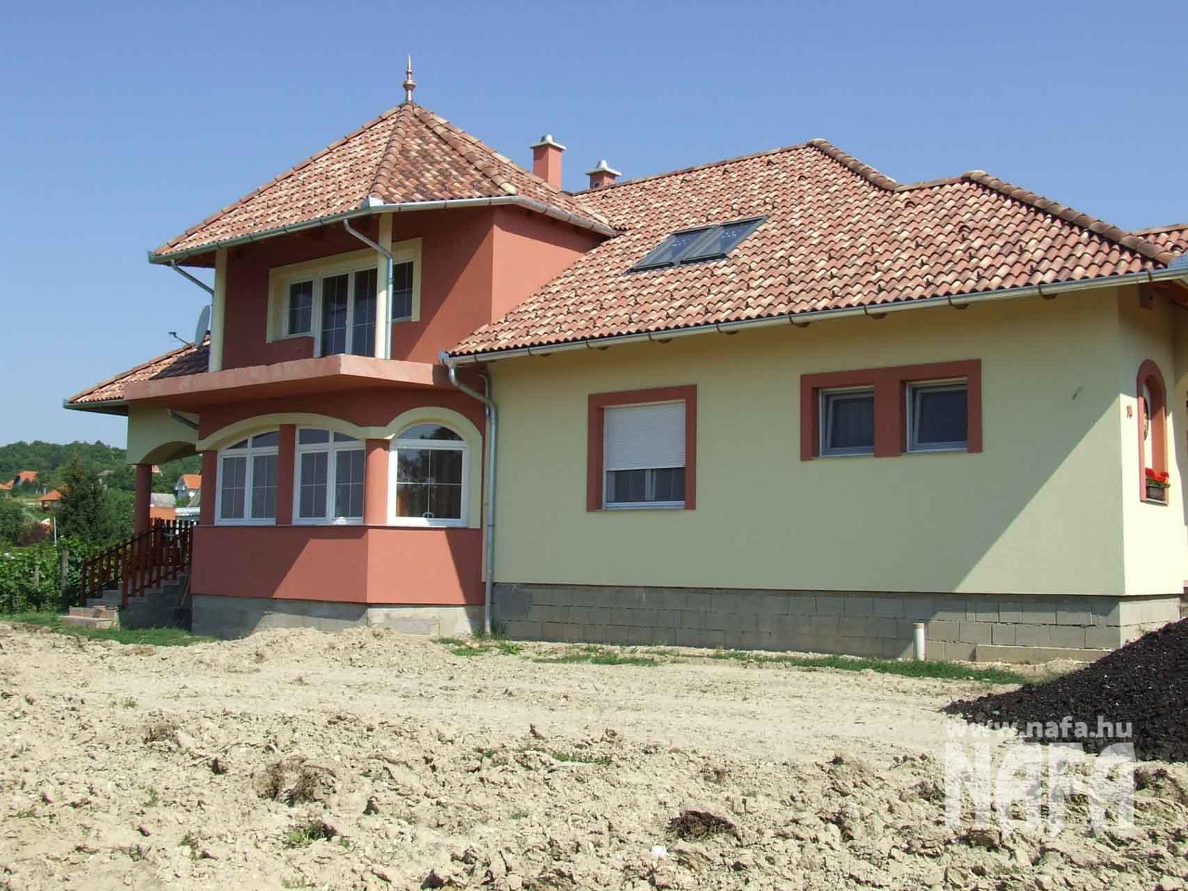 Műanyag nyílászárók, egyedi ablakok és ajtók, Balaton Családiház