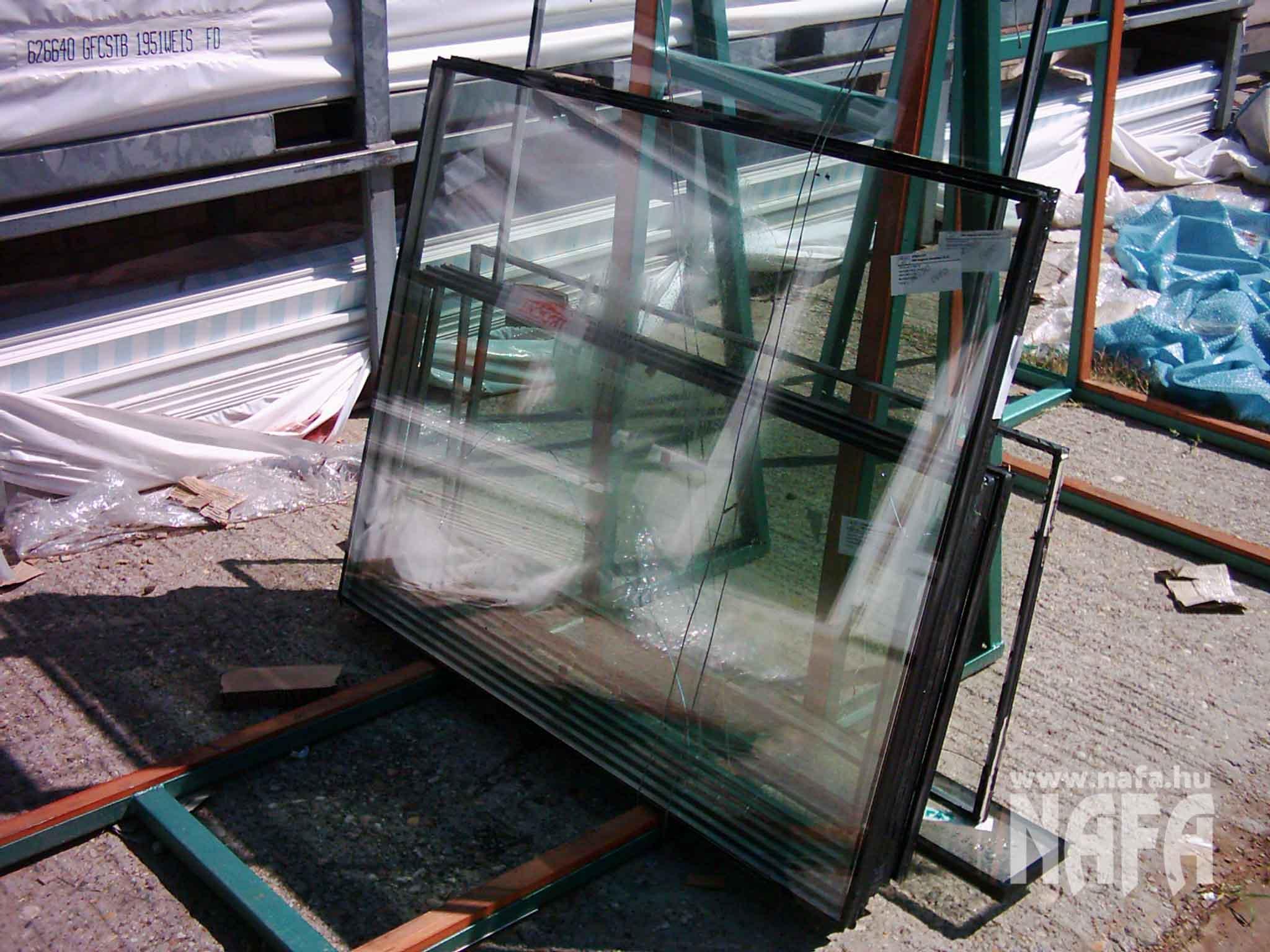 Műanyag ablak üvegtörés