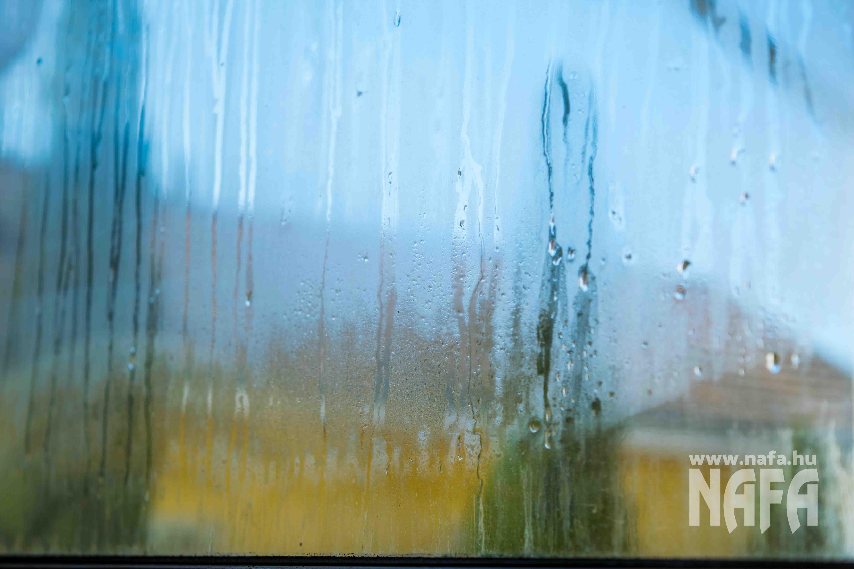 Páralecsapódás a műanyag ablakokon